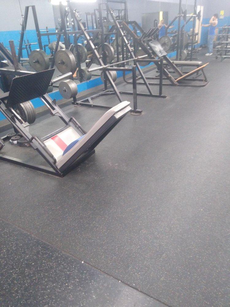 Gym Bob's: 2428 Main St, Vernon, TX