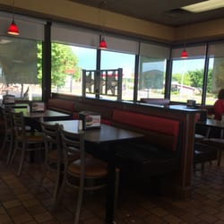 Photo Of Carl S Jr Sulphur Ok United States Large Dining Are A