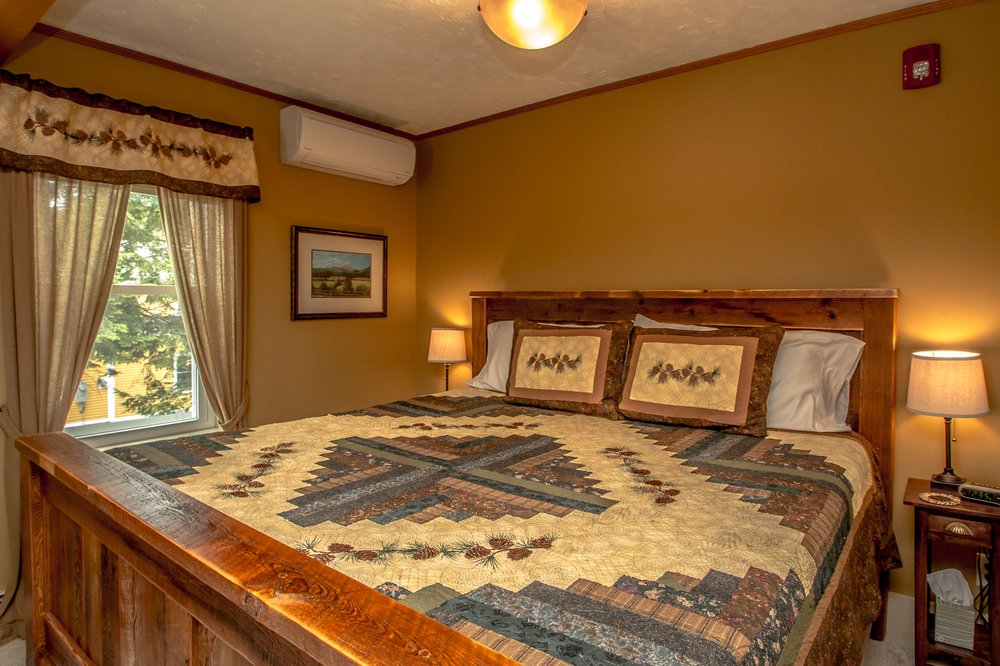 White Birch Inn of North Conway: 54 Kearsarge Rd, Conway, NH