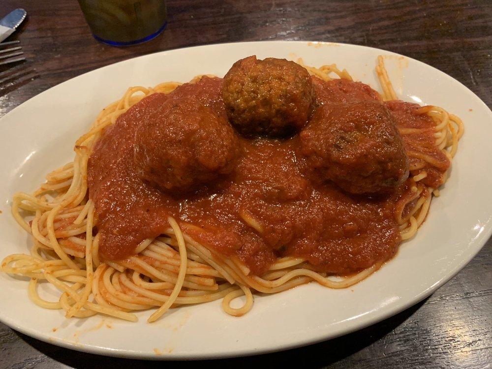 Salamone's Italian Pizzeria: 1245 Madison Ave, Fort Atkinson, WI