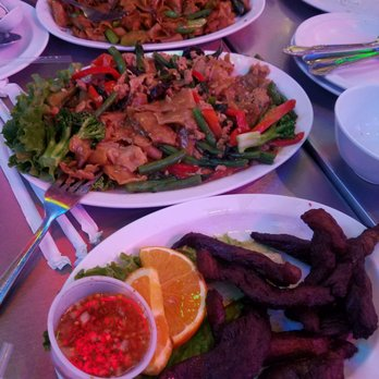 Sanamluang cafe 879 photos 903 reviews thai 12980 for Amazing thai cuisine north hollywood