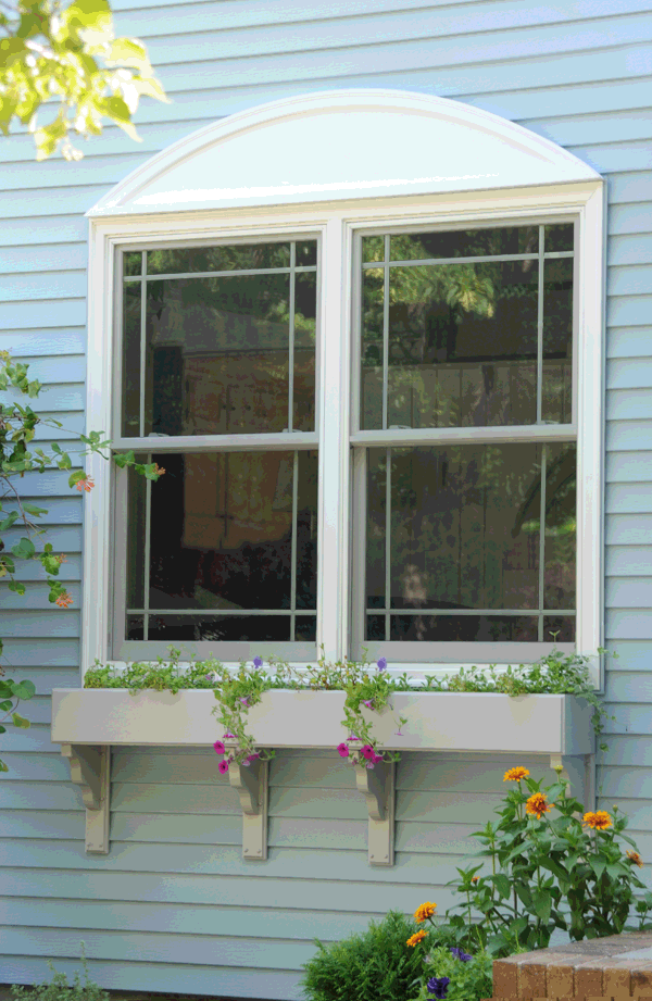 Dual Double Hung Windows With Modified Prairie Style