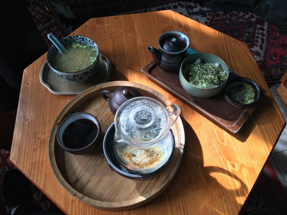 Dobra Tea: 186 Main St, Northampton, MA