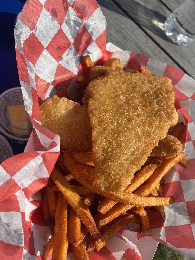 Tully's Fish Market & Snack Shack: 78 Foster Ave, Hampton Bays, NY