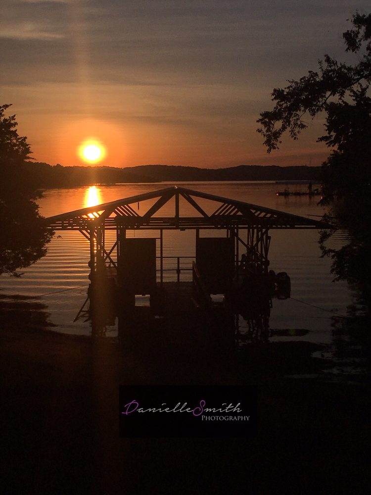 Anchor Inn on the Lake Bed & Breakfast: 100 Hurtville Ln, Branson West, MO