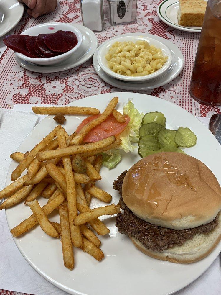 Downtown Cafe: 119 N Jackson St, Tullahoma, TN