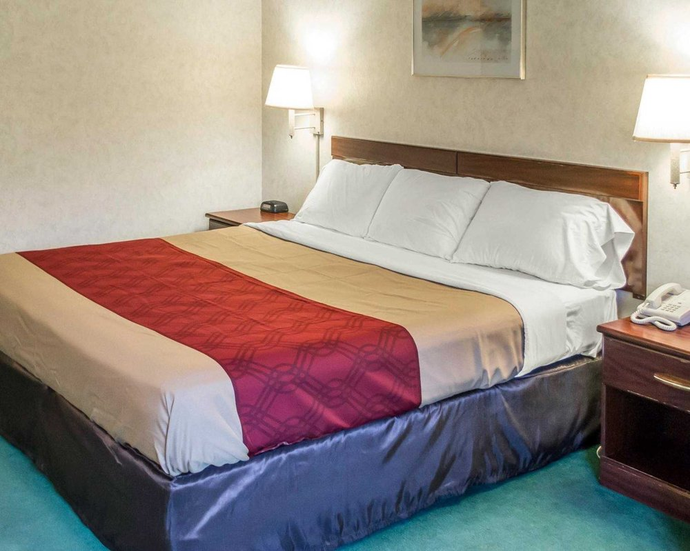 econo lodge 25 photos hotels 9789 state route 14 streetsboro