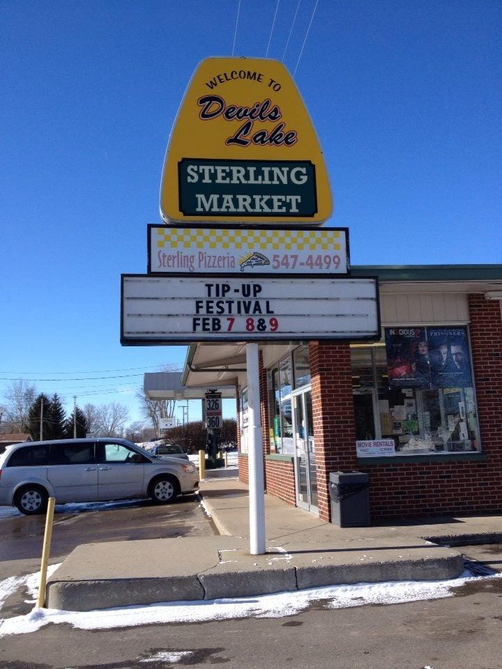 Sterling Pizzeria: 860 Manitou Rd, Manitou Beach, MI
