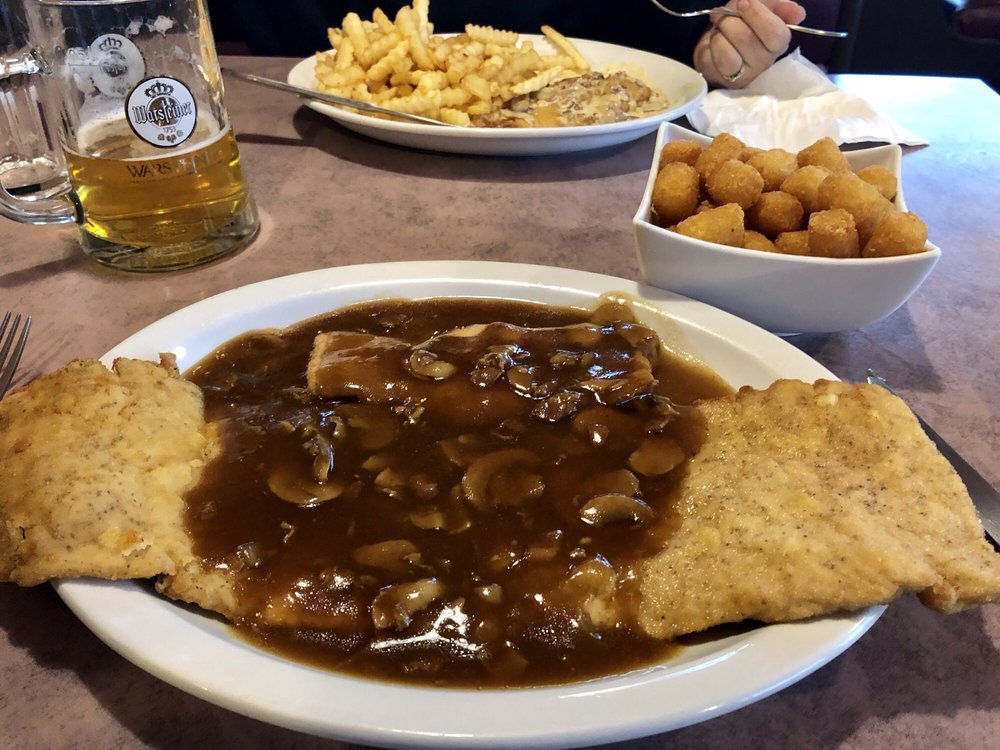 Ralph's German Restaurant & Cafe: Muirham Drive 551, Winkler, MB