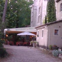 Le four chaux fran ais 2253 ave charles de gaulle for Restaurant caromb