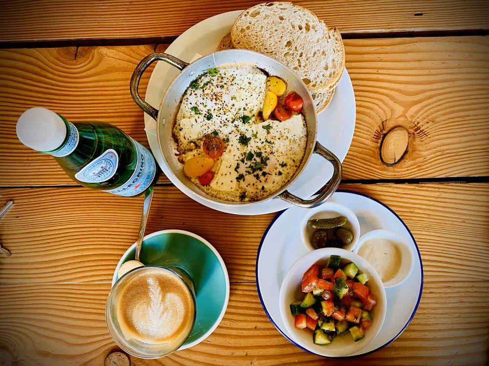 Cafe Smitten: 909 18th St, Bakersfield, CA