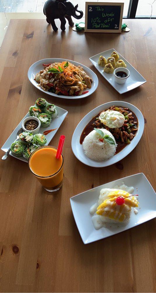 Mekong Diner: 238 Crafton Ingram Shopping Ctr, Crafton, PA