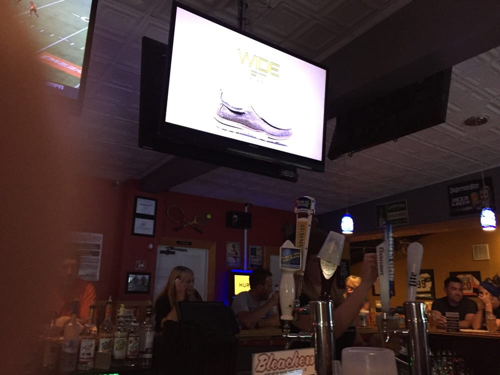 Bleachers Sports Bar: 40 E Black Horse Pike, Folsom, NJ