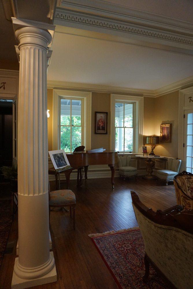 The Hollinger House: 2336 Hollinger Rd, Lancaster, PA
