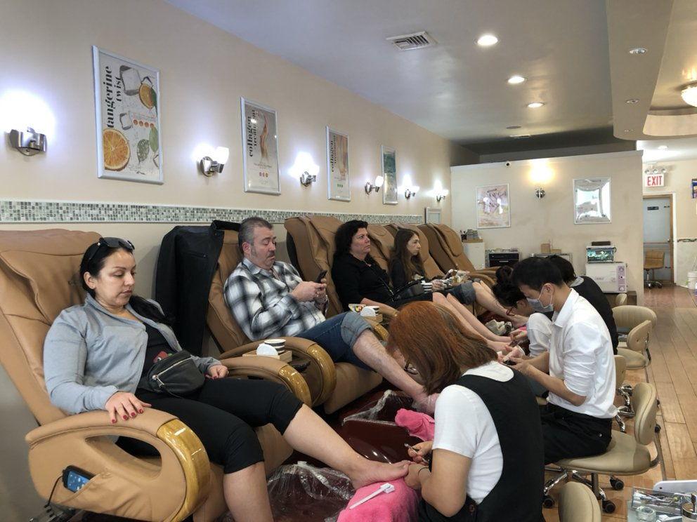 New Bella Nail & Spa: 104-04 Metropolitan Ave, Forest Hills, NY