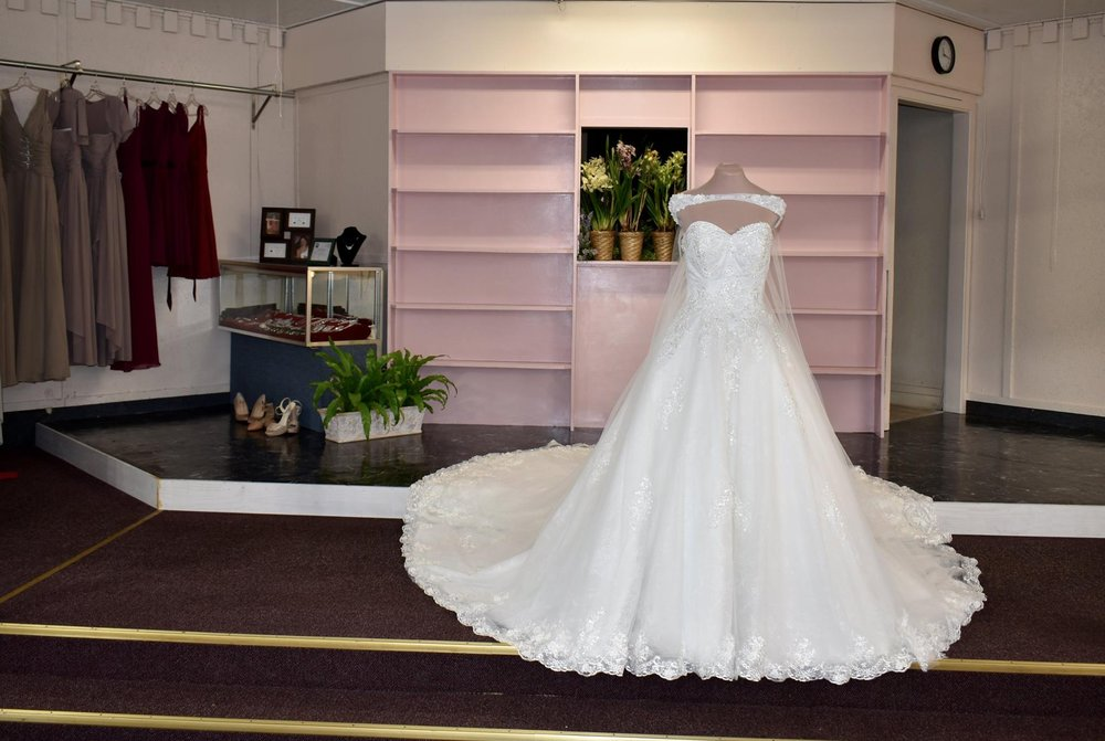 Hems and Seams By Leda O: 509 Belvedere Clearwater Rd, North Augusta, SC