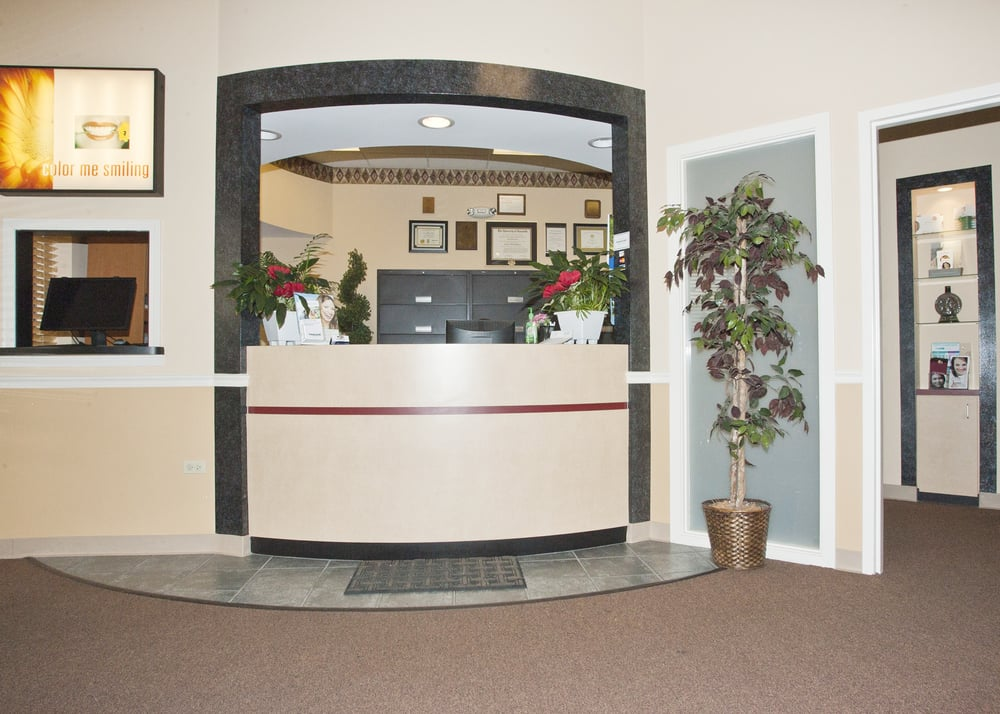 Miles Family Dental: 417 E Il Rt 173, Antioch, IL