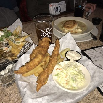 Crosstown Pub & Grill - 148 Photos & 177 Reviews - American