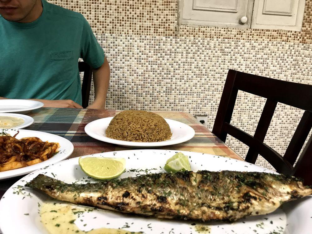 Food from Samakmak Seafood
