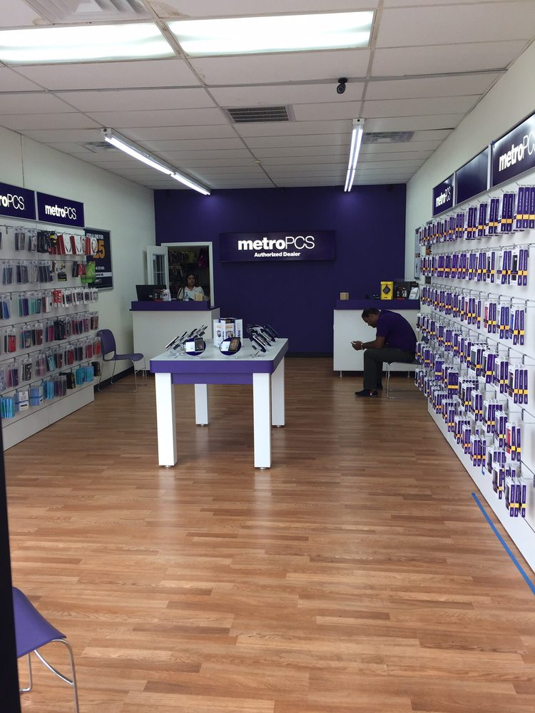 Find MetroPCS in Houston, Texas. List of MetroPCS store locations, business hours, driving maps, phone numbers and more/5().