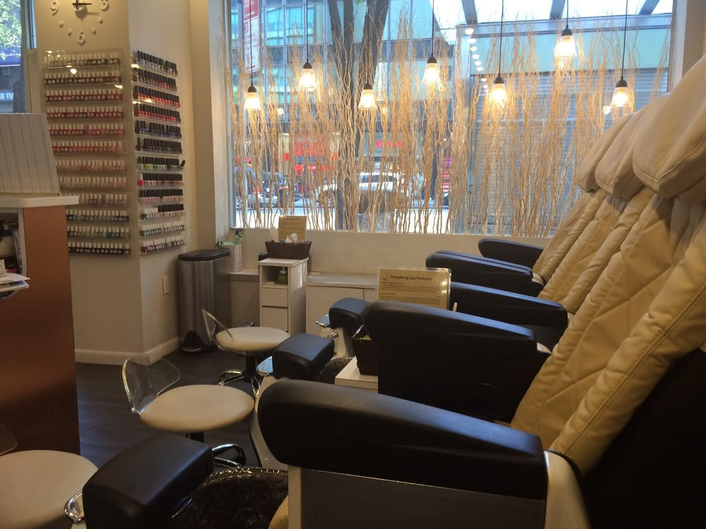 Graceburg nails spa 14 foto 39 s 50 reviews for 1662 salon east reviews