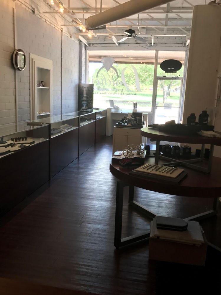 Daiches Custom Jewelers