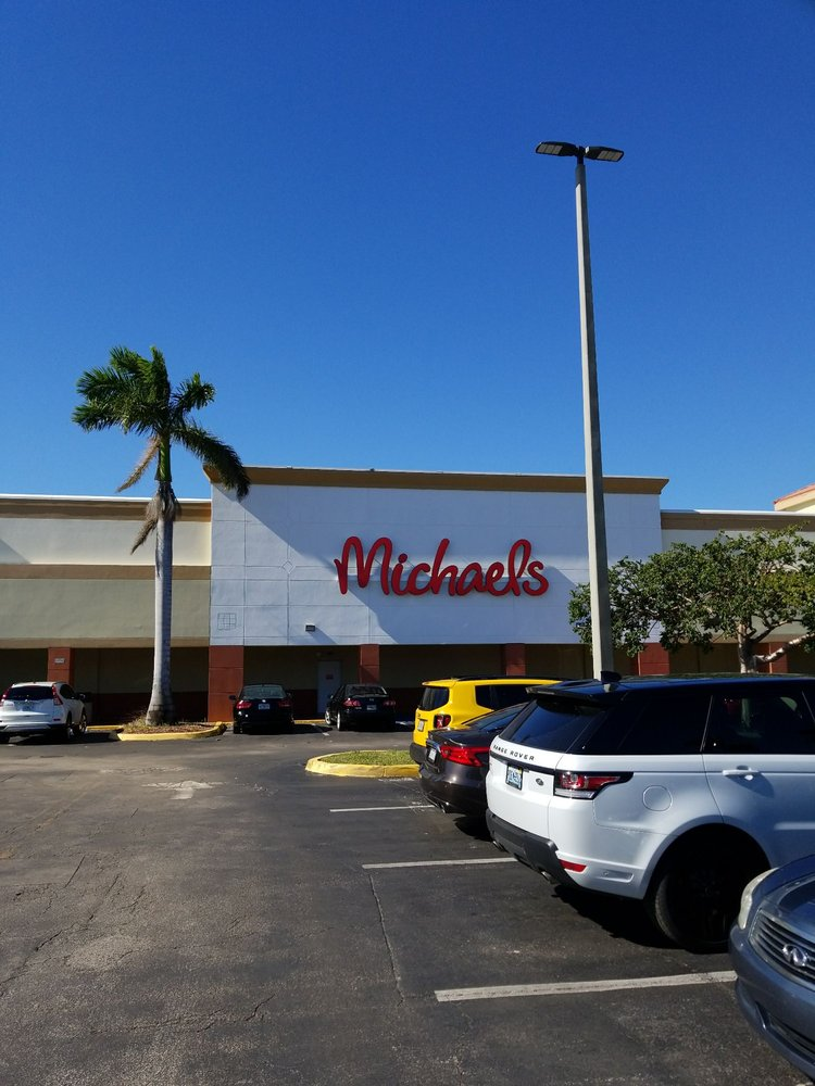 Michaels: 3559 N Federal Hwy, Pompano Beach, FL