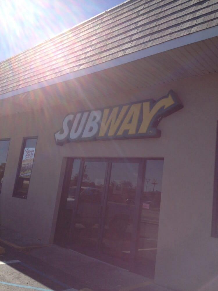 Subway: 1400 N Piedmont Ave, Rockmart, GA