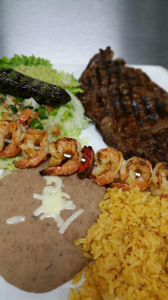 El Jarrito Mexican Grill: 100 Constitution Dr, West Monroe, LA