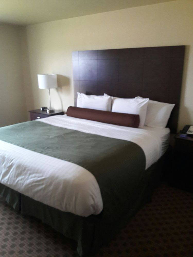 Cobblestone Inn & Suites - Cambridge: 41502 Cambridge Dr, Cambridge, NE