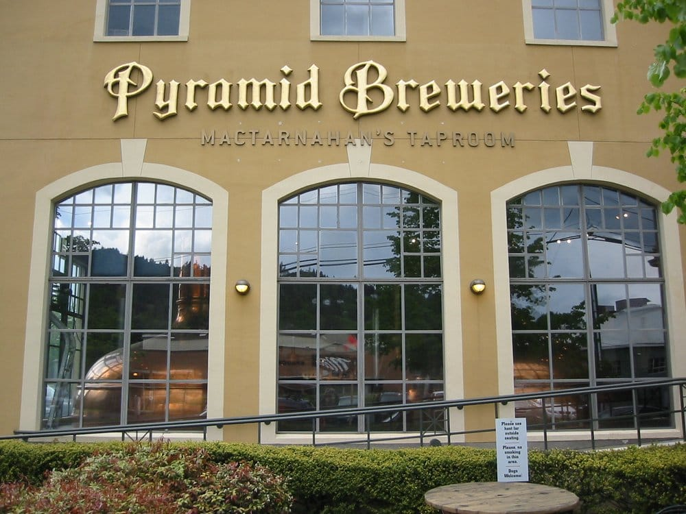 Pubs of Portland Tours: SW 5th Ave & SW Morrison St, Portland, OR