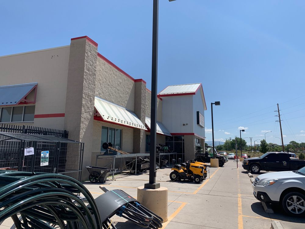 Tractor Supply: 3901 Oliver  Rd, Santa Fe, NM