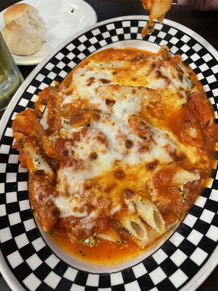 Gino's Italian Restaurant: 139 W Shawnee St, Muskogee, OK