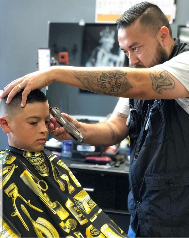 Lookin' Good  Barbershop & Salon: 510 Main St, Windsor, CO