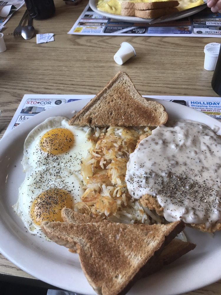 Aunt Judy's Cafe: 816 State Rd 23 73, Princeton, WI
