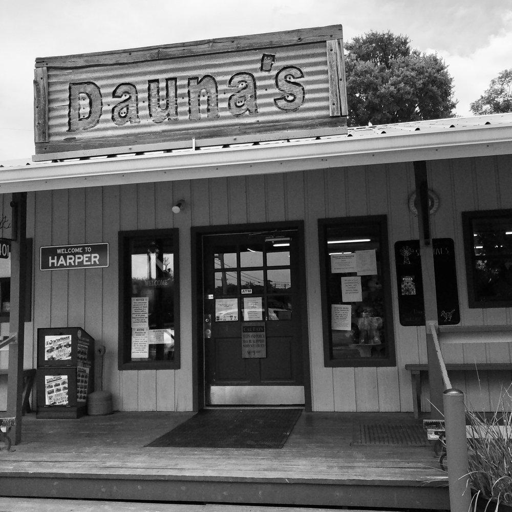 Dauna's: 23401 W US Hwy 290, Harper, TX