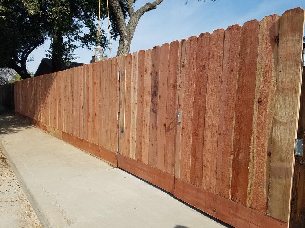Peredo Custom Landscaping: Tulare, CA
