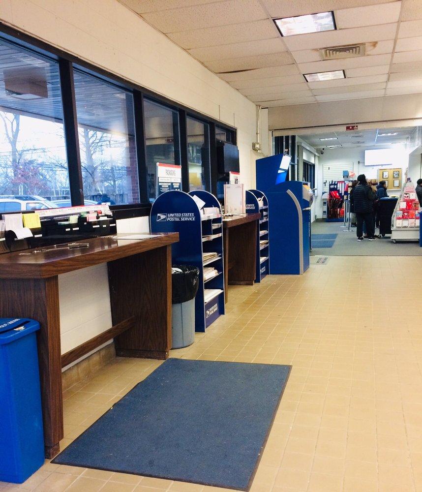 US Post Office: 500 Demott Ln, Somerset, NJ