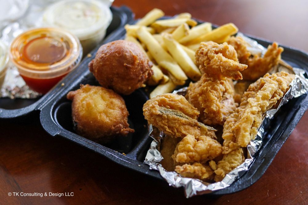Atlanta Fish House & Grill: 1437 Campbellton Rd SW, Atlanta, GA