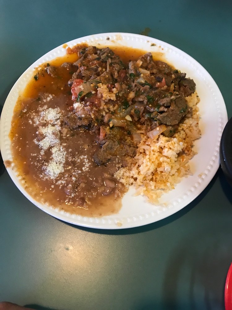 El Tapatio: 400 S Butte St, Dorris, CA