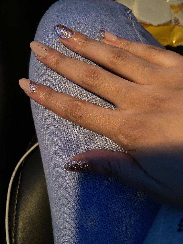 Star Nails: 1645 E 37th Ave, Hobart, IN