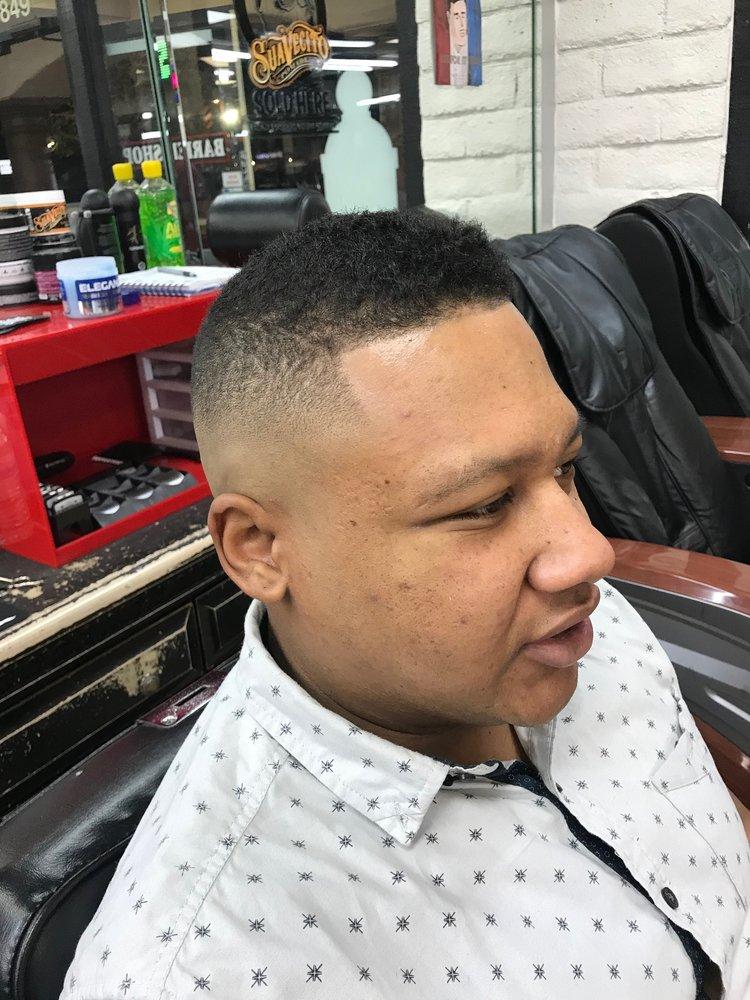 Razor Sharp Barber Shop 27 Photos 32 Reviews Barbers 6849 W