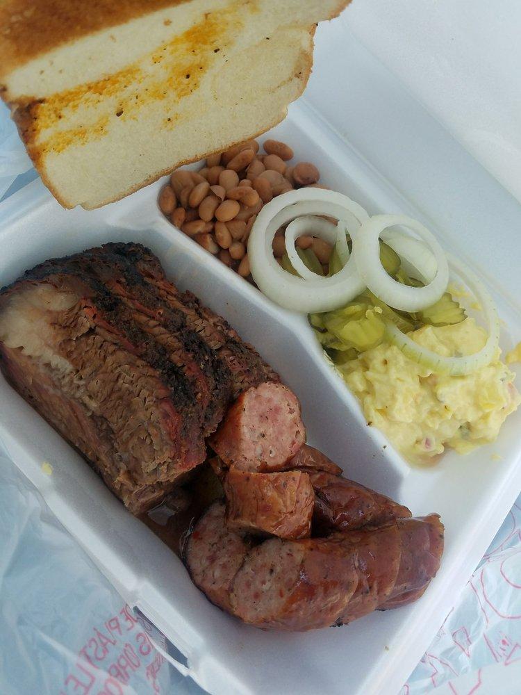 Lil Joe's BBQ: 212 N 5th St, Rosebud, TX