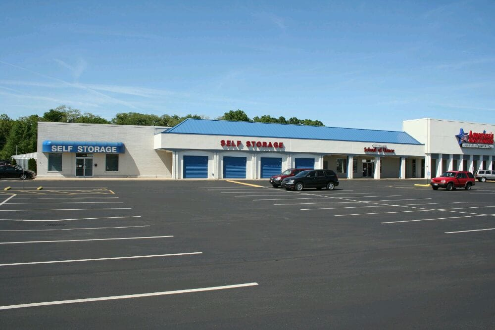 Mini Warehouse Of Cincinnati Self Storage 7890 Beechmont Ave Anderson Township Oh Phone Number Yelp