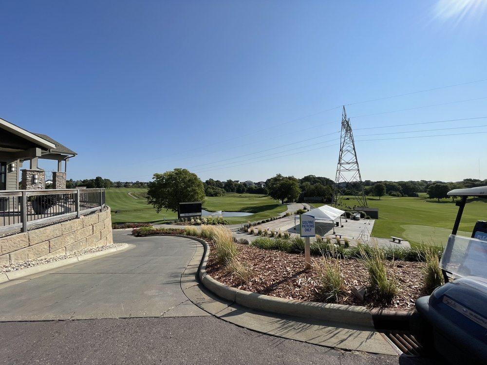 Willow Run Golf Course: 8000 E Arrowhead Pkwy, Sioux Falls, SD