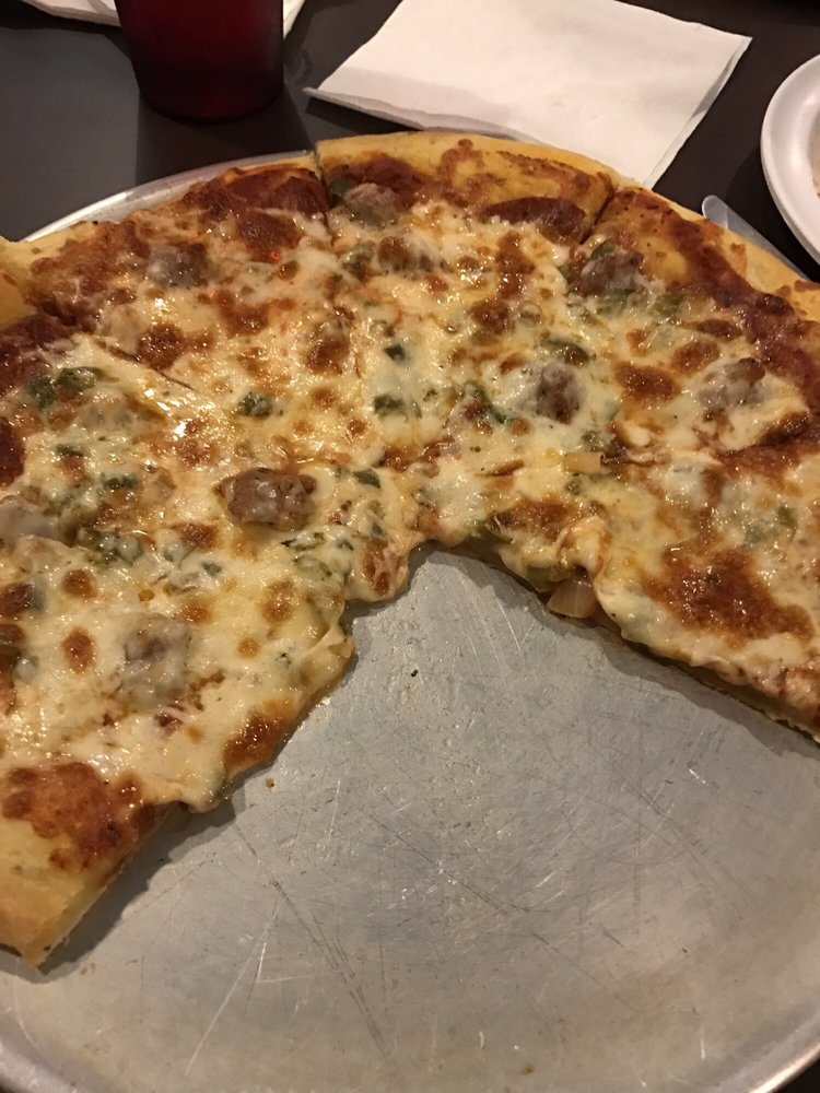 Rocket Joes Pizza: 415 Main St, Griswold, IA