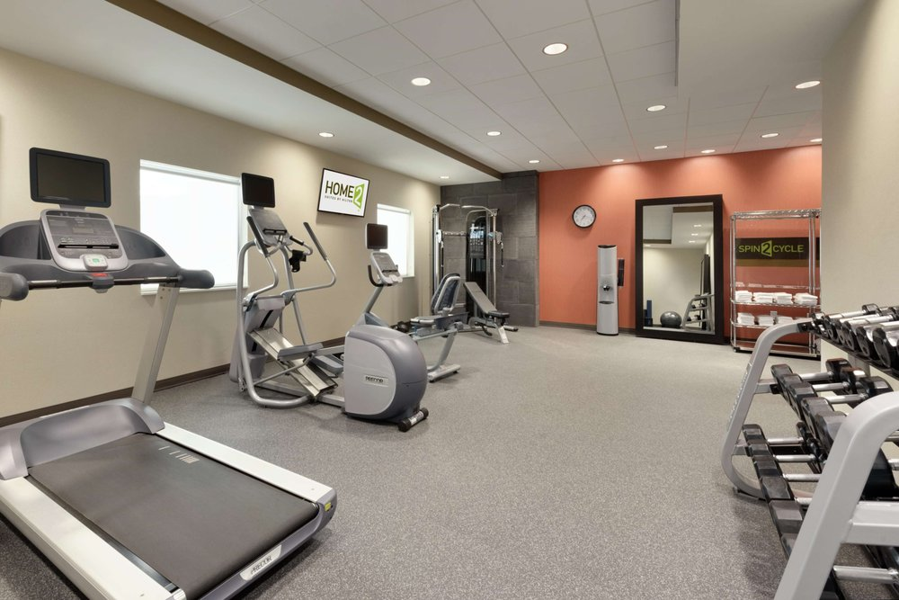 Home2 Suites by Hilton Roseville Minneapolis: 2020 Iona Ln W, Roseville, MN