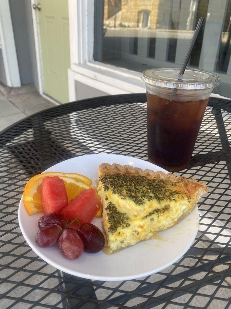 Hugh's Bakery & Coffeehouse: 229 W Market St, Bluffton, IN