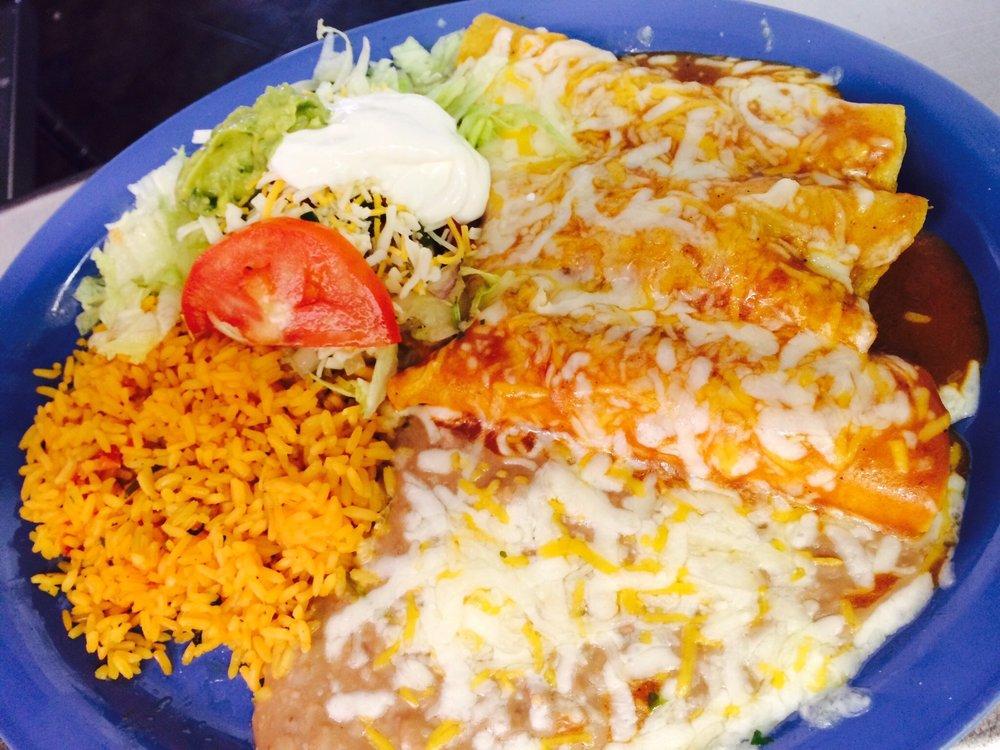 Mi Casa Azteca Mexican Restaurant & Cantina: 286 Main St, Mathews, VA