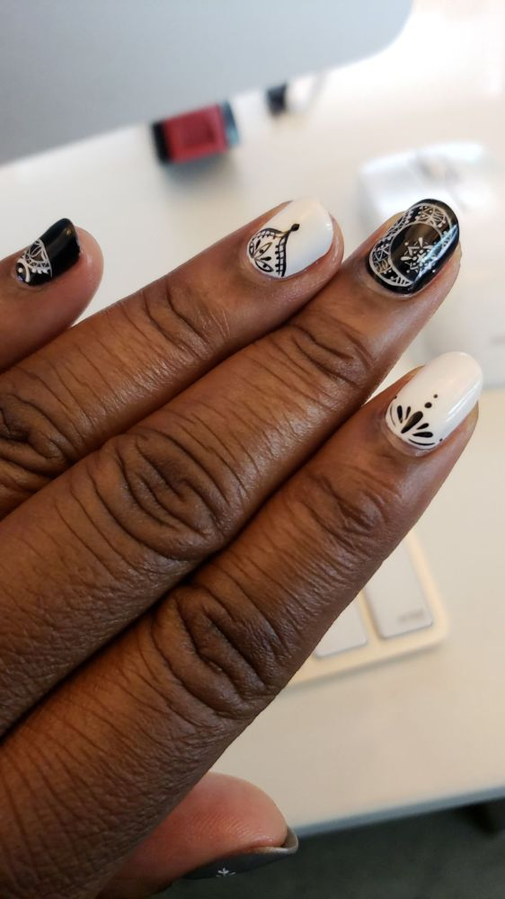 Lisa Petite Nails: 437 Pelham Rd, New Rochelle, NY